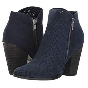 Carlos Santana Hacey Navy Perforated Ankle Boot
